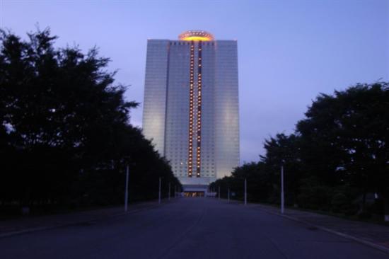 朝鮮特級賓館羊角島(夜景)