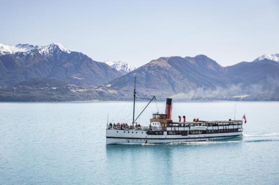 厄恩斯勞號古董蒸汽船