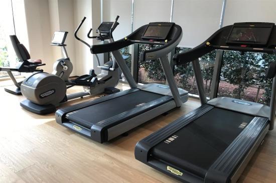 MARRIOTT RESORT JEJU SHINHWA WORLD 健身室