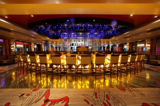 世紀神話號酒吧