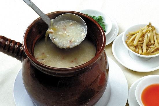 地道瓦煲燒骨粥