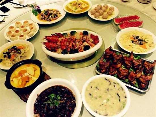 至尊雙龍蝦+海蔘花膠羹燒雞宴