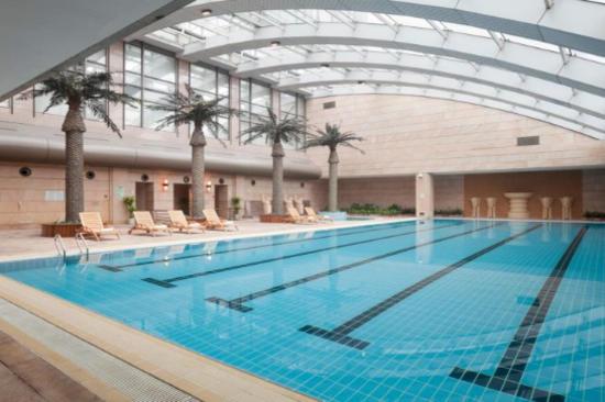 中山大信皇冠假日酒店-游泳池