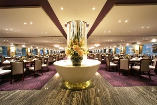 世紀傳奇號餐廳