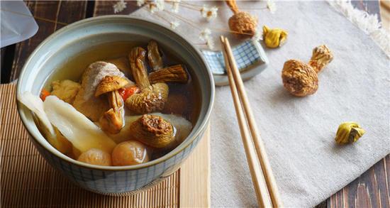 姬松茸燉海參