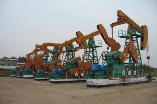 大慶油田(遠觀採油機)