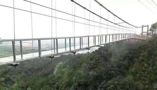 牛魚嘴玻璃橋