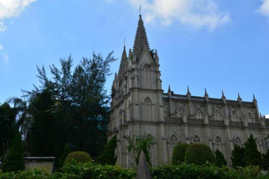 維多爾天主教堂(車遊)