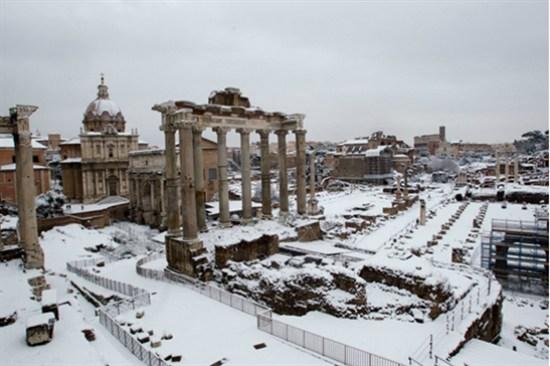 古羅馬廣場廢墟雪景