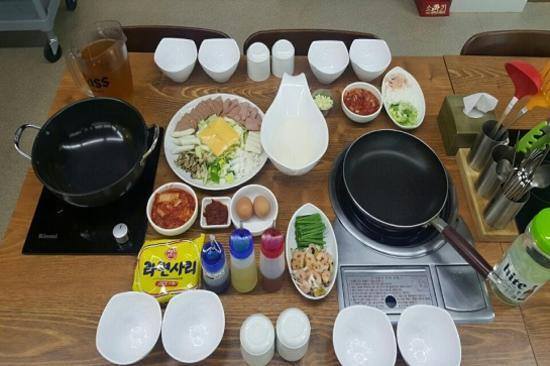 韓食DIY(部隊火鍋+泡菜煎餅)