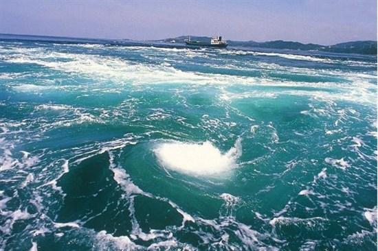 鳴門海峽漩渦