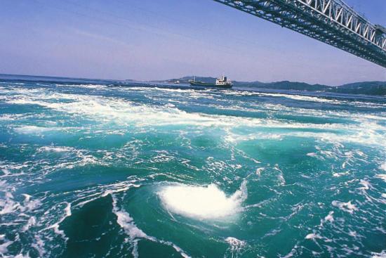 鳴門海峽大橋(遠眺鳴門海峽壯麗漩渦)