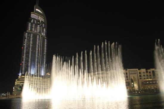 杜拜湖音樂噴泉 (2)